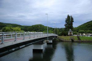 午前7時 鏡橋と網走川(三眺地区)
