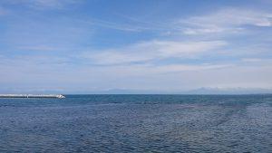 午後1時 オホーツク海と知床連山