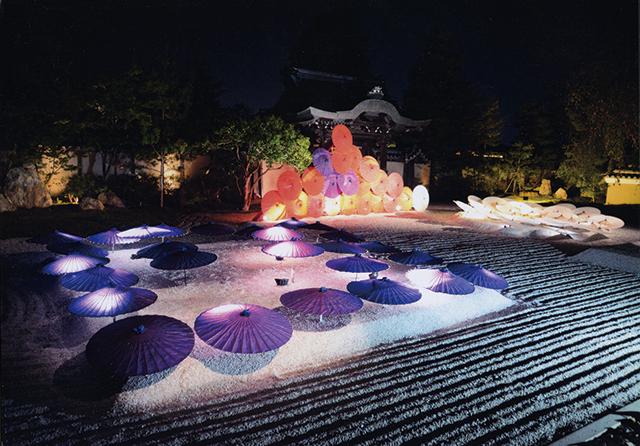 作品名『夜の光景』北見市・新庄友行 旅先の京都でライトアップしているお寺を撮影しました。きれいで感動しました。