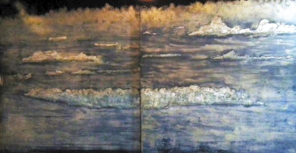 作品名『漆絵』北見市、としやす 北見市常呂の飲食店の壁に珍しい漆絵がありました。オホーツク海の流氷の写真を画家に渡して描いてもらったそう。あまりにも素晴らしいので、写真を撮らせてもらいました。