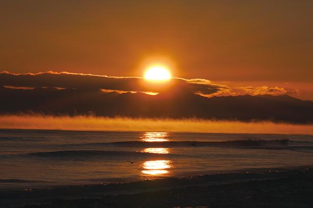 作品名『毛嵐(けあらし)』尚美 風の穏やかな日・気温と海水の温度差15度以上・快晴の早朝という条件で見られるらしいです。とても綺麗でした。
