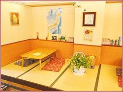【北海道北見市|きなり食堂|昼食・夕食・喫茶|オリジナル絵本も大好評・おなかがすいたら、とにかくどうぞ】小上り