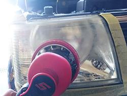 【北海道北見市 R-TYPE(アールタイプ) 自動車、整備、車検、中古車、販売、カー用品、中古部品、自動車保険】ヘッドライト施工中