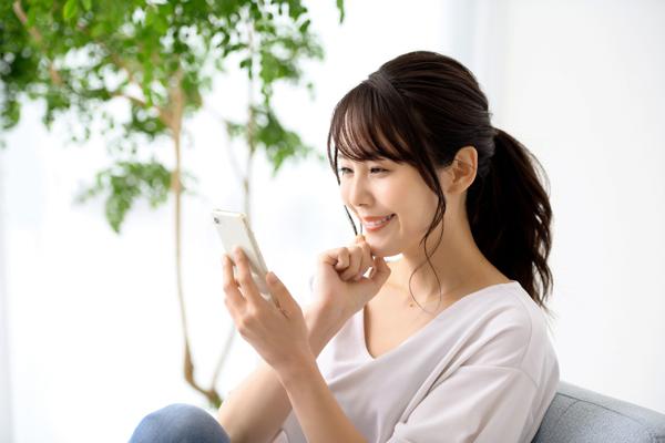 【株式会社伝書鳩|デジタルスキャニングサービス|ご自宅にあるお写真をデジタルデータに加工するスキャニングサービスを行っております。お見積無料、お気軽にお問い合わせ下さい。】